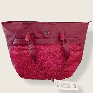LULULEMON Everything Tote Yoga Bag in Rosewood Red